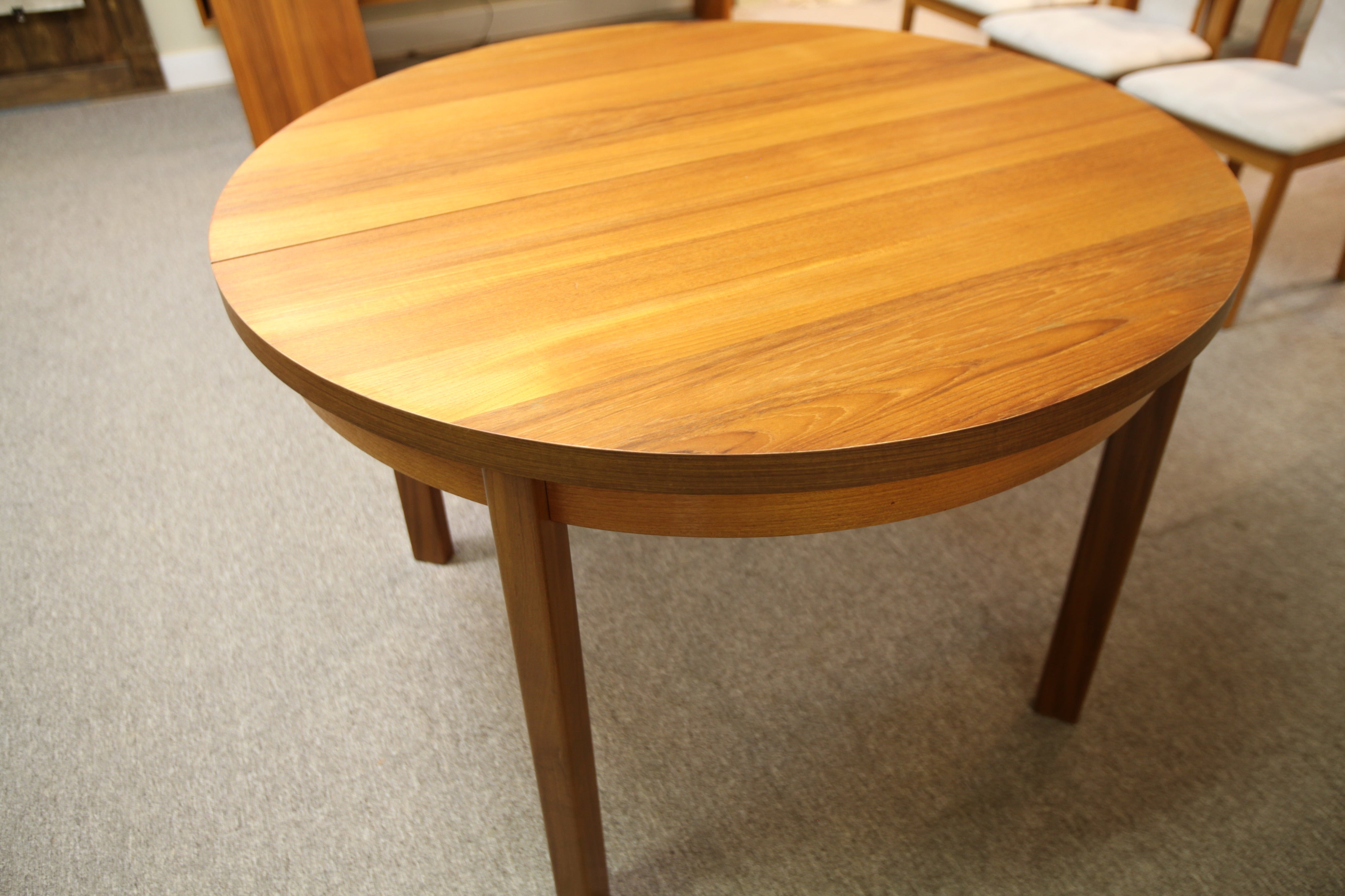 "RS Associates Montreal Round Teak Dining Table W/ 2 Leafs (76""x44"") or 44"" round"