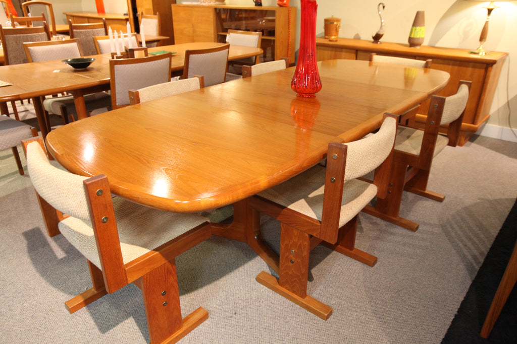 "Beautiful Teak Dining Table w/ 2 Leafs (100""x41"") or (62""x41"" no leafs)"