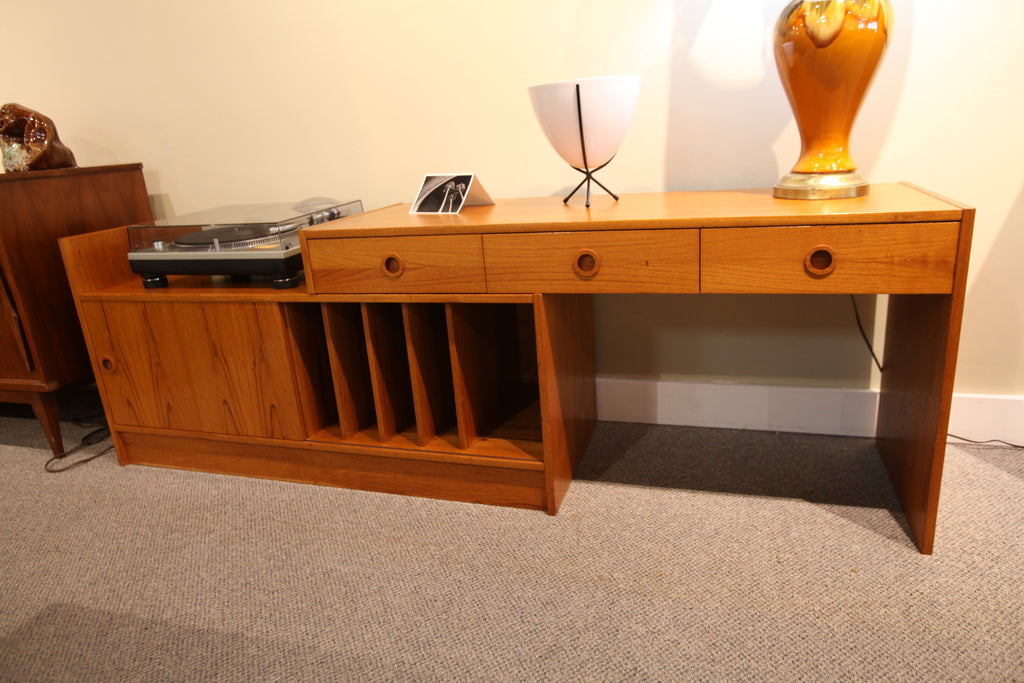 "Vintage Teak Expandable Stereo Stand (47""-90"") (17.25""D x 23.5""H)"