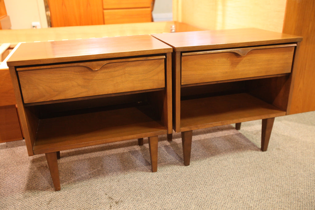 "Set of 2 Vintage Vic-Art Walnut Night Stands (22""W x 14.5""D x 22""H)"