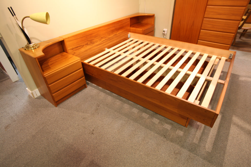 Beautiful Vintage Teak Queen Bed w/ Night Stand & Storage Drawers