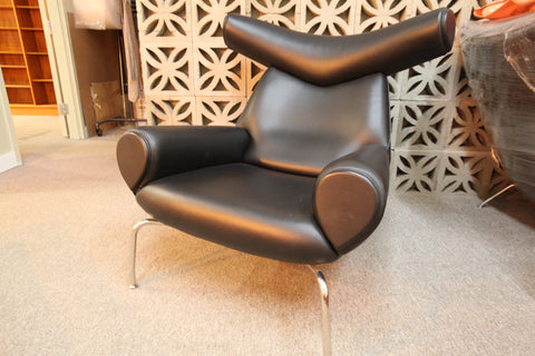 "Hans Wegner Black Leather Ox Chair (Replica) (40""Hx40""Dx40""W)"
