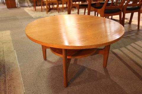 "Vintage RS Associates Montreal Round Teak Coffee Table (34.5"" Dia x 18""H)"