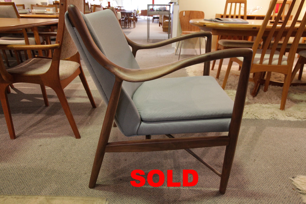 """High Quality"" Replica Finn Juhl NV45 Chair (Niels Vodder) (28""W x 33""H X 30""D)"