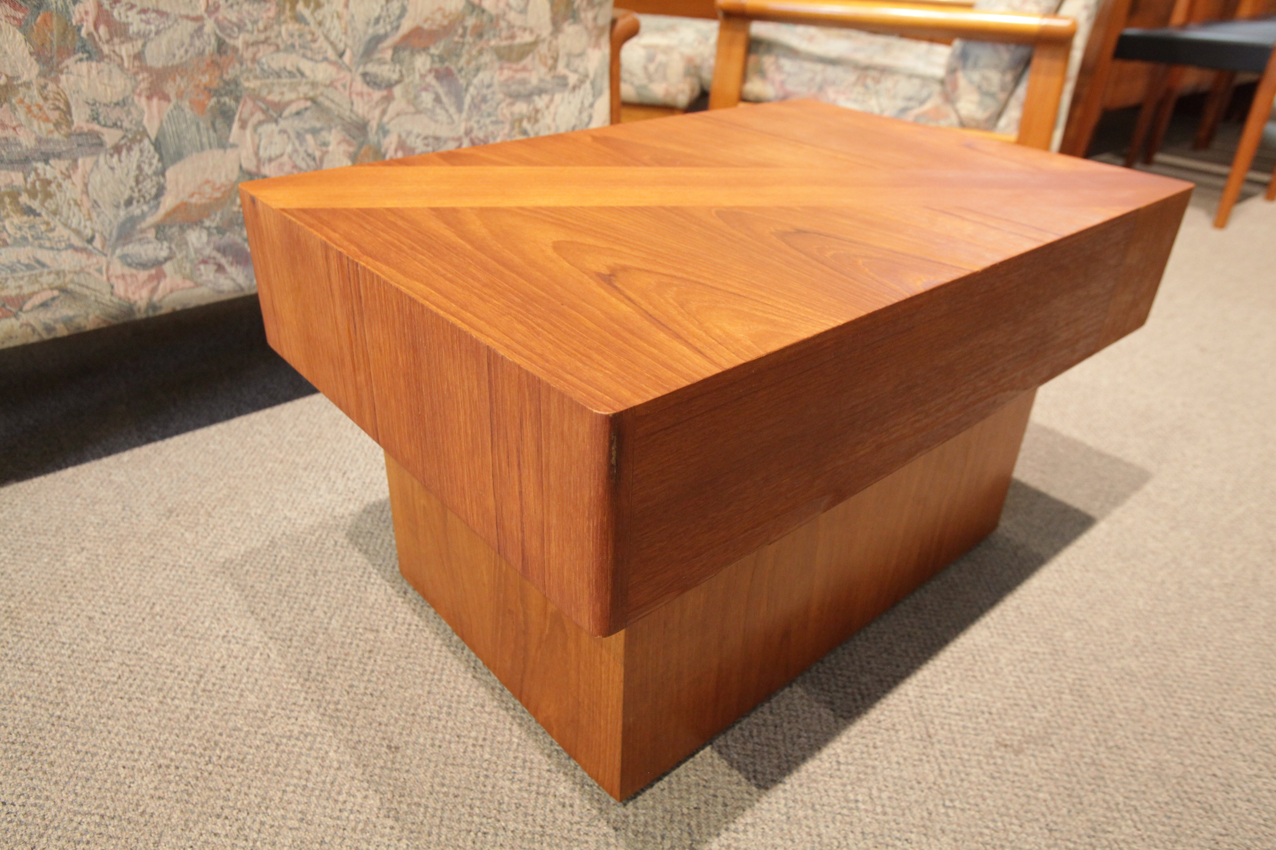 "RS Associates Montreal Teak Side Table  (30""x20""x17.5""H)"