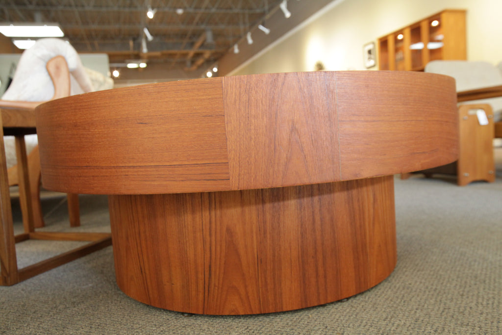 "RS Associates Montreal Round Teak Coffee Table (36"" Dia x 15.5"" High)"