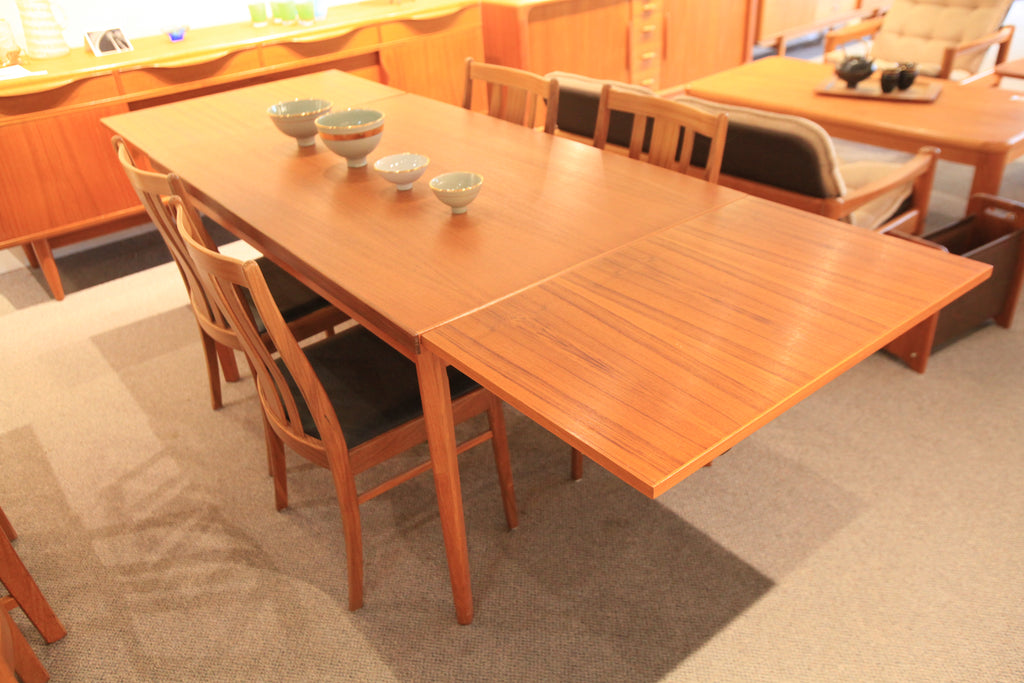 Vintage Danish Teak Dining Table w/ Pullout Extensions (53.5 x 33.5) (93.25 x 33.5)