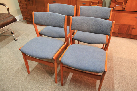 Set of 4 Danish Teak Dining Chairs by Dyrlund
