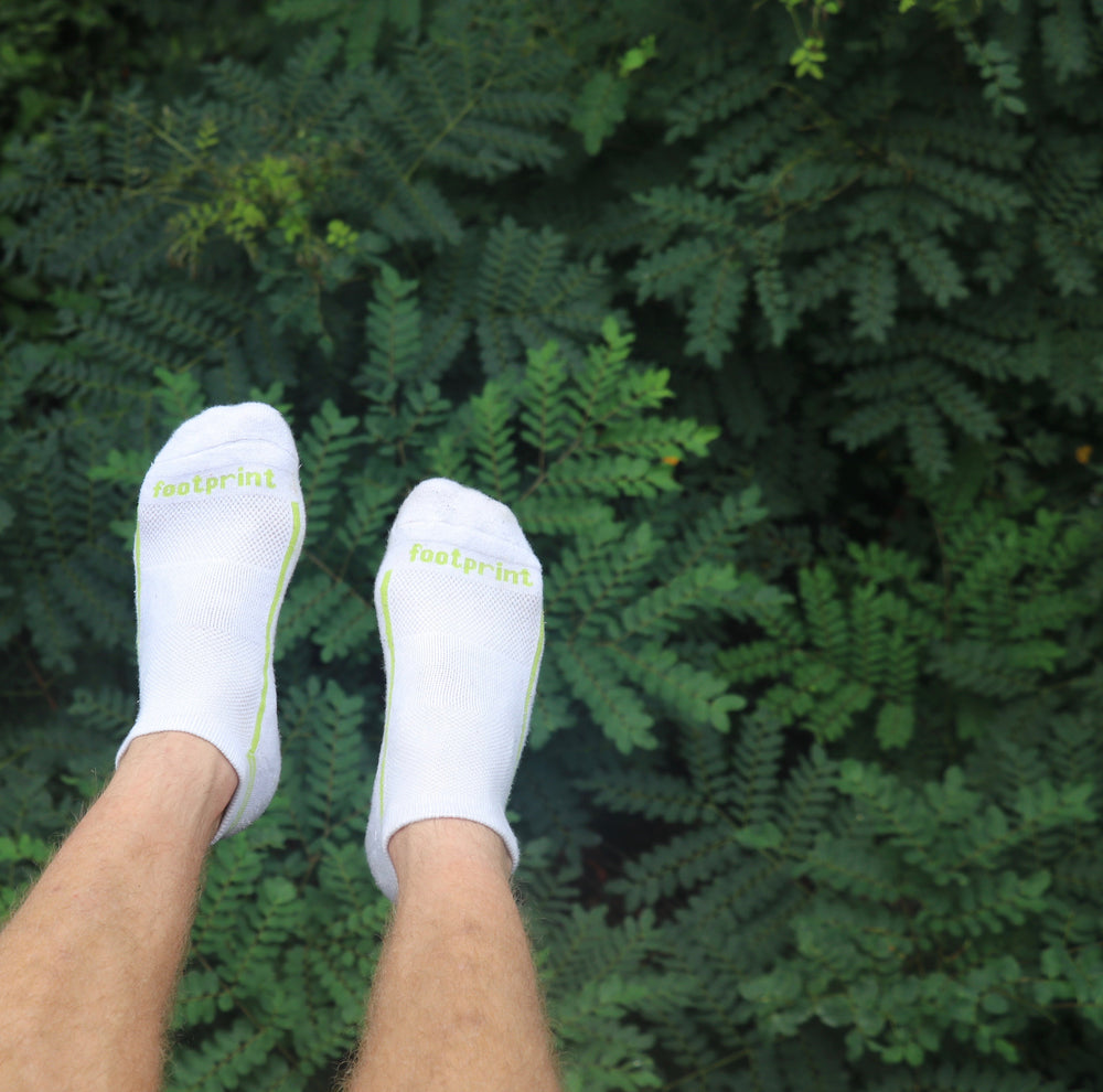 No-Show White/Green Bamboo Performance Socks