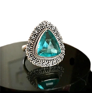 7.75 Cts Natural Blue Topaz Gemstone Solid .925 Silver Ring Size 6.5 - BELLADONNA