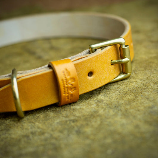 handmade full grain and oak bark tanned leather dog collar