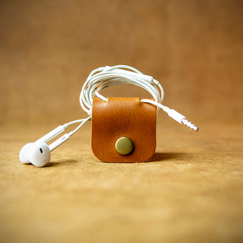 handcrafted full grain and vegetable tanned leather cable organiser