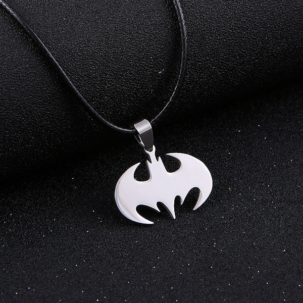 Batman sign necklace - Noneend Outlet