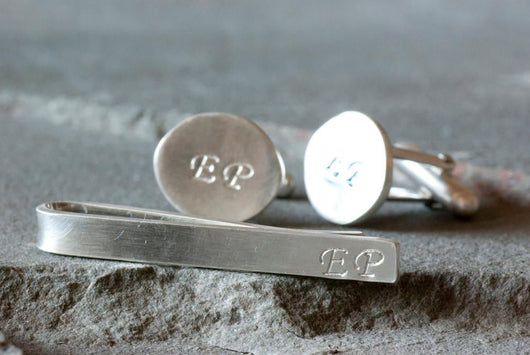 Personalized Monogrammed Oval Cufflinks and Tie Bar | Silver Sculptor