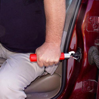 Universal Auto Grip with Flashlight (Red) - www.myhomeandgardendecor.com