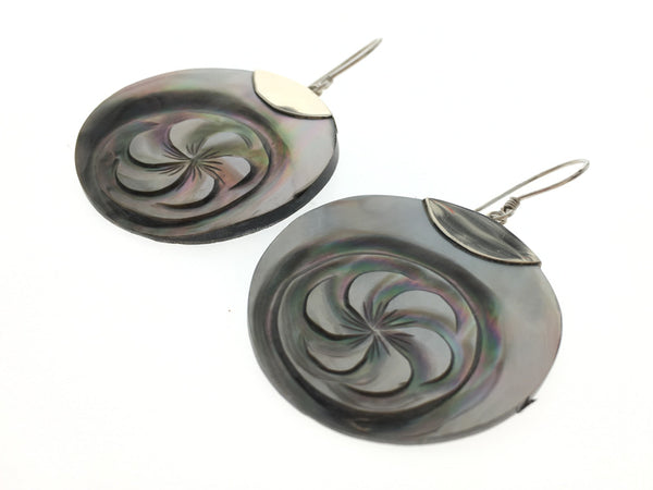 Shell Engraved Round .925 Sterling Silver Earrings