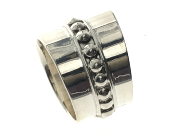 Ribbed Center Tapered Sterling Silver Band - Essentially Silver Jewelry