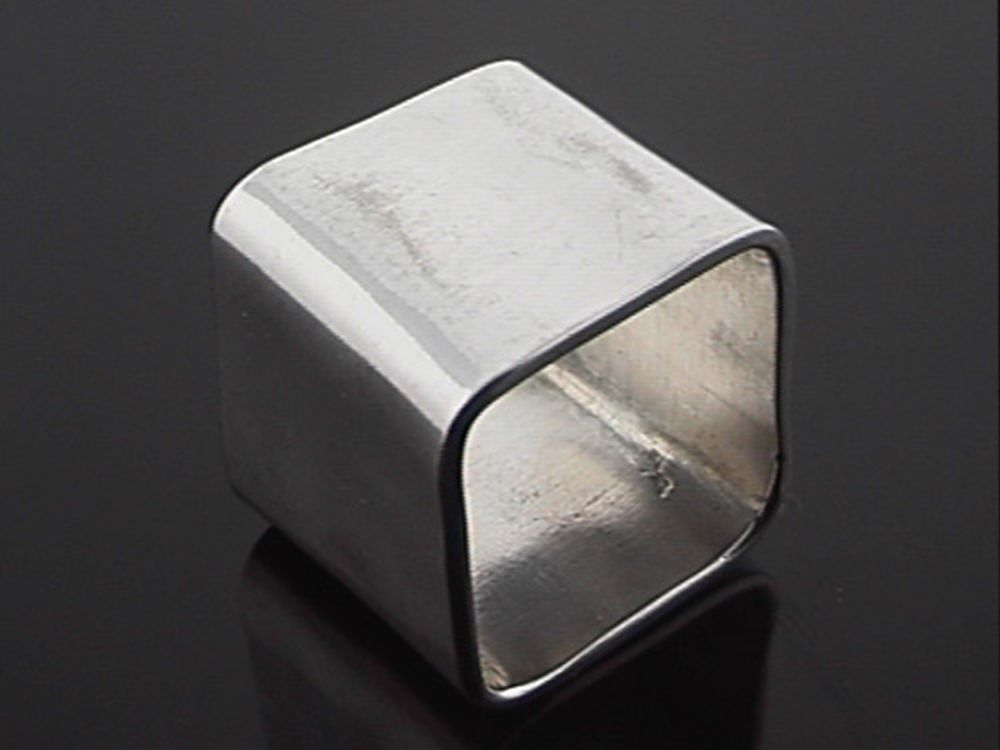 Large plain square silver ring: Length 20mm