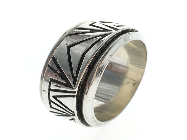 Graphic Spinning .925 Sterling Silver Band