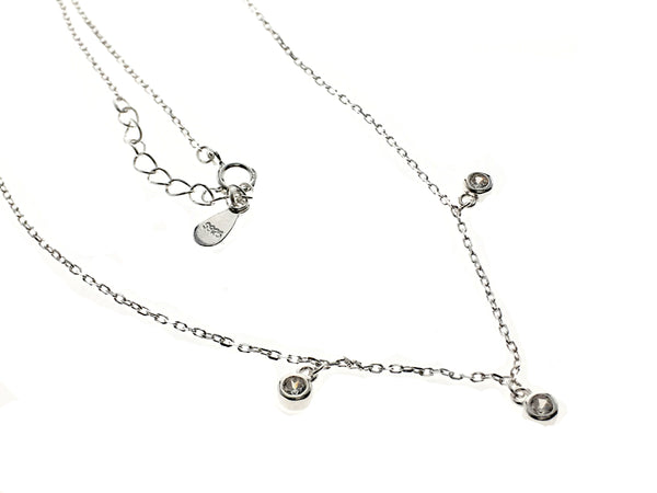 A Sterling silver micro-inlaid zircon necklace clavicle chain