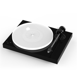 Pro-Ject X1 Turntable w/ Ortofon Quintet Red