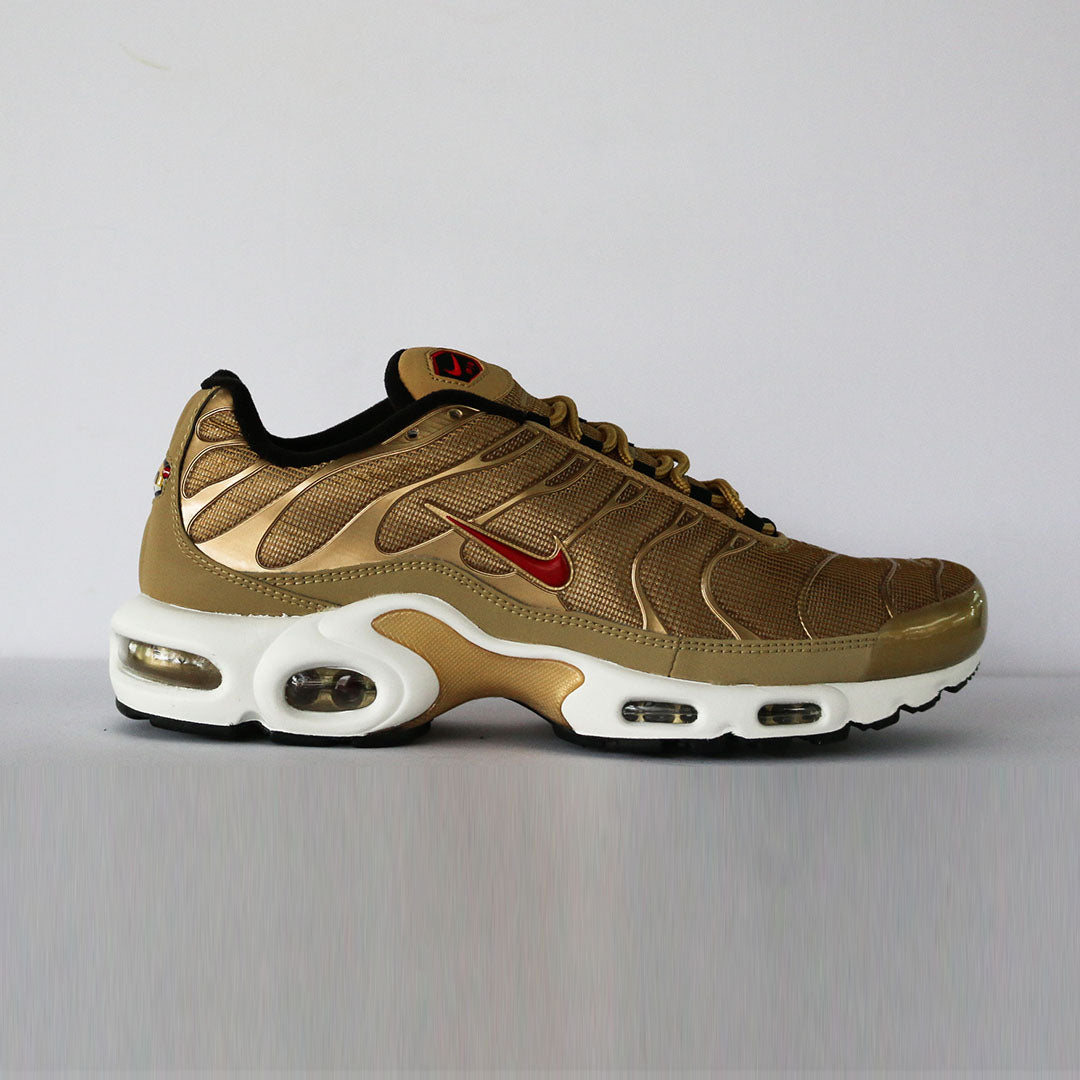 Air Max Plus Metallic Gold