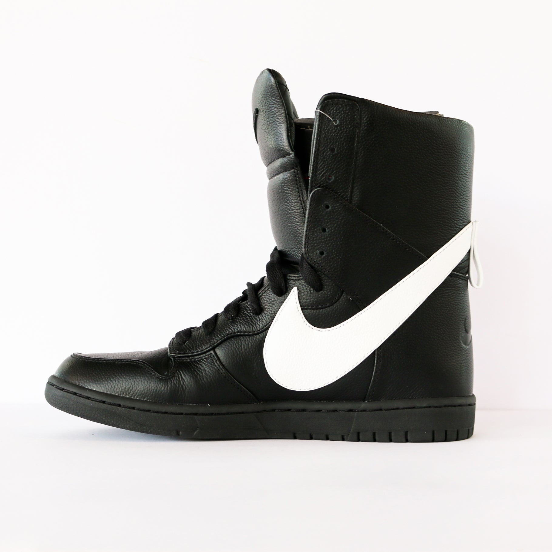 buy popular 0353e 74823 Riccardo Tisci x Nike Dunk High Lux