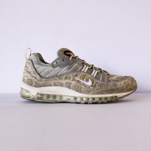 90dd5778871e Air Max 98 x Supreme