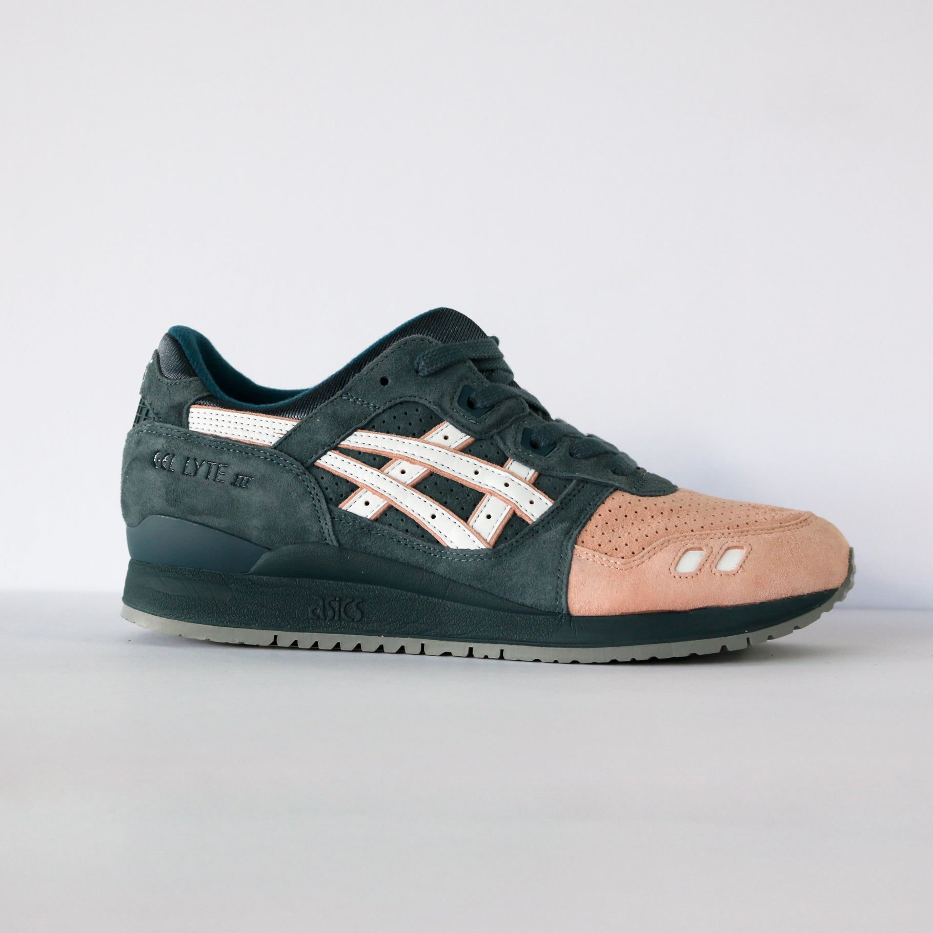"Asics Gel Lyte III Ronnie Fieg ""Salmon Toe"" 2.0 (With Special Box)"