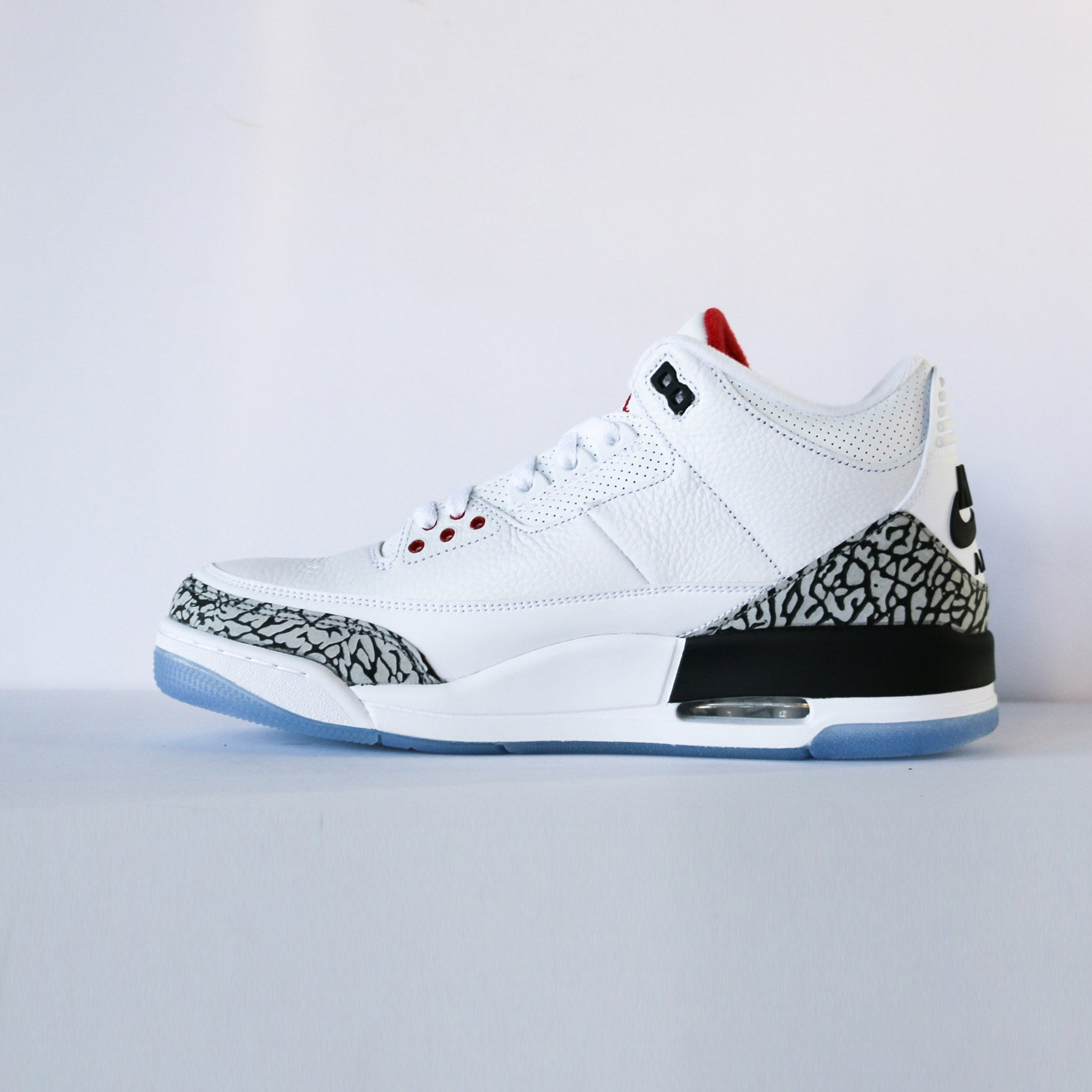 "Air Jordan 3 White Cement ""Free Throw Line"""