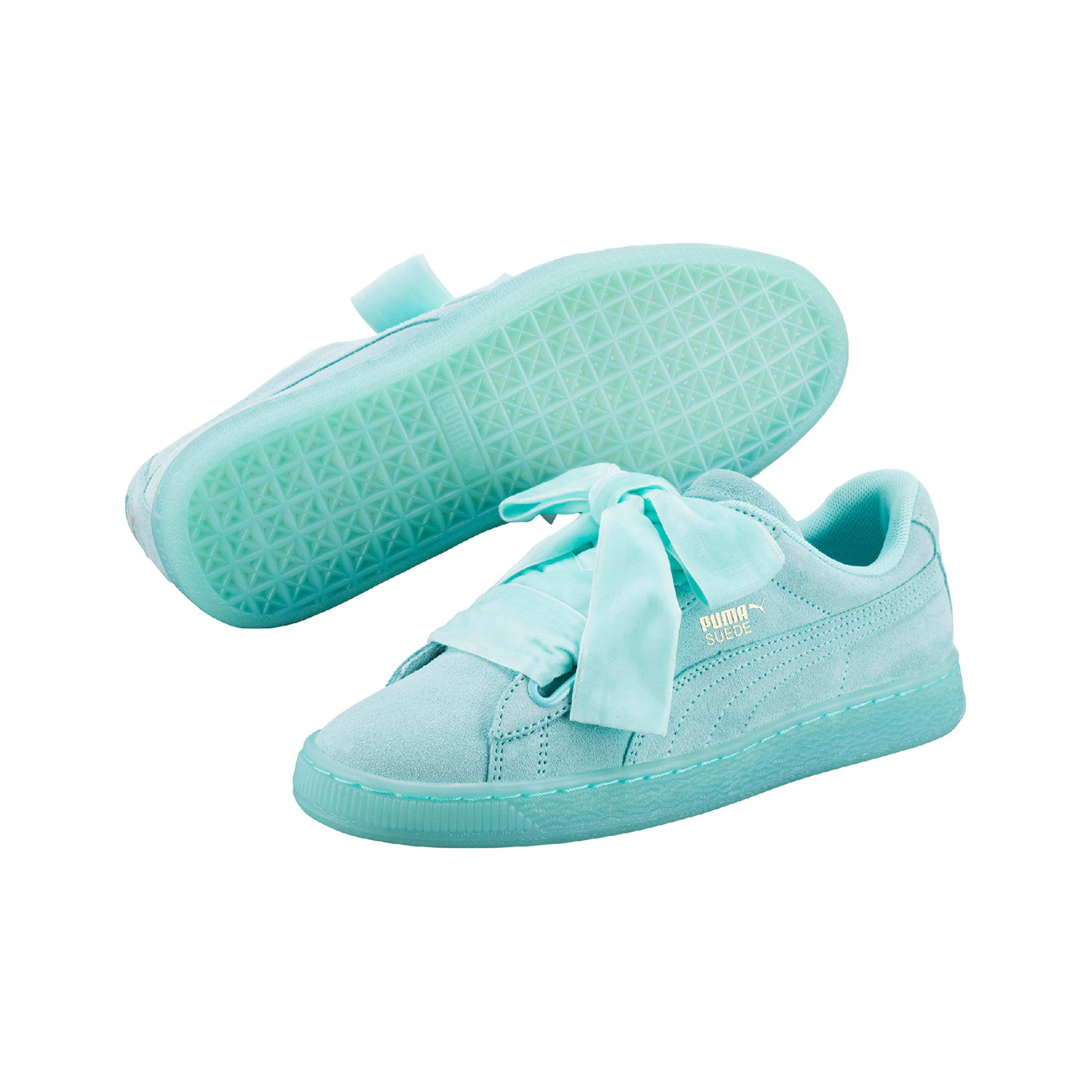 Suede Heart Reset Aruba Puma Sneakers Blue Pair View