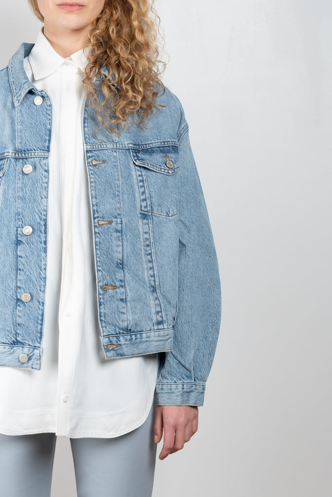 The Charli Jacket by Agolde is an oversized fit denim jacket in a lightwashed blue