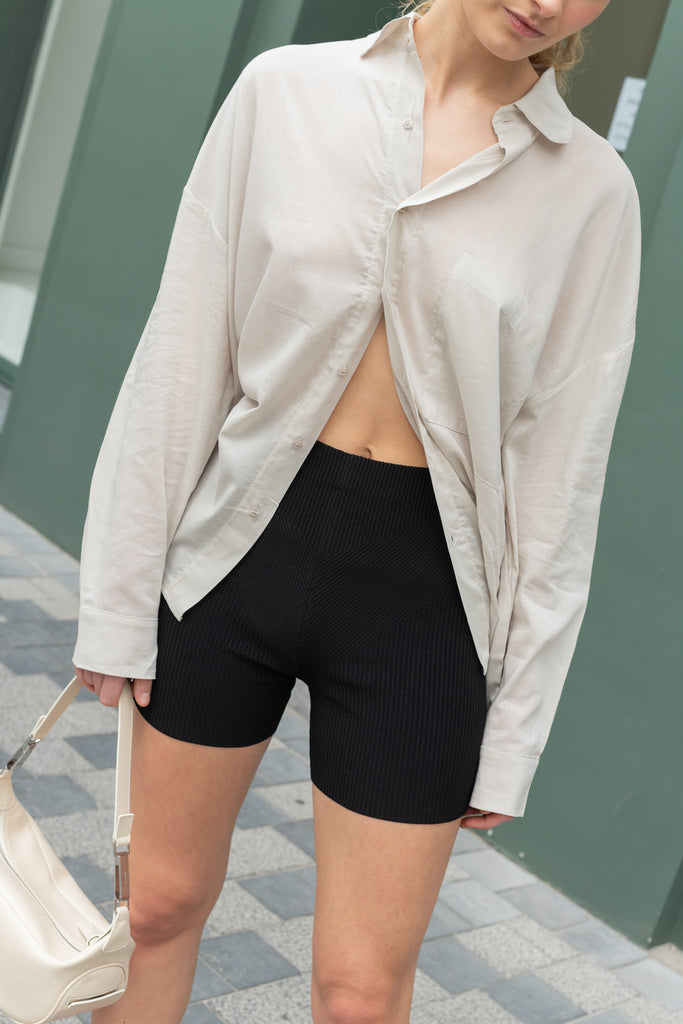 The Tejeda Shorts by Gauge81 is a high waisted biker shorts in a structured ribbed weave