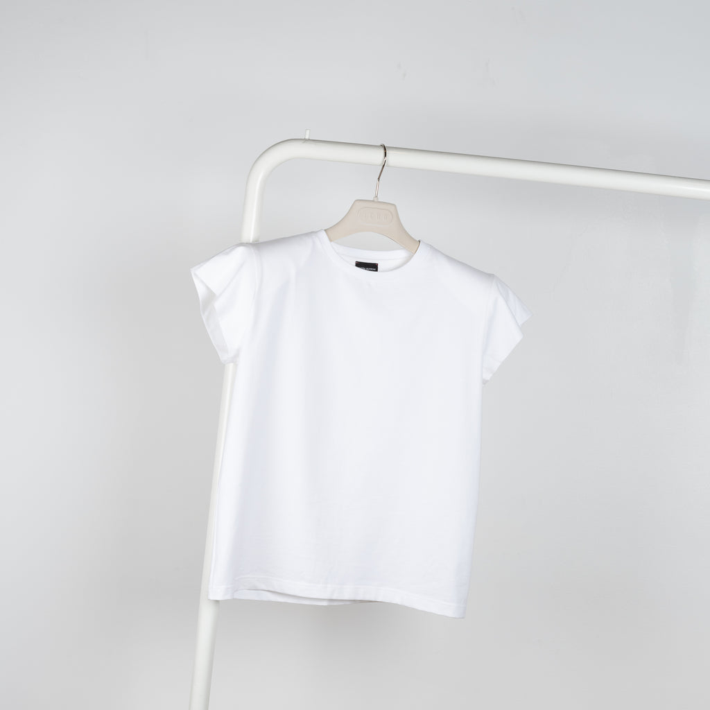 The T-shirt 01 by Magda Butrym is a relaxed fitted Tee with shoulder pads and a subtle tonal MB Logo