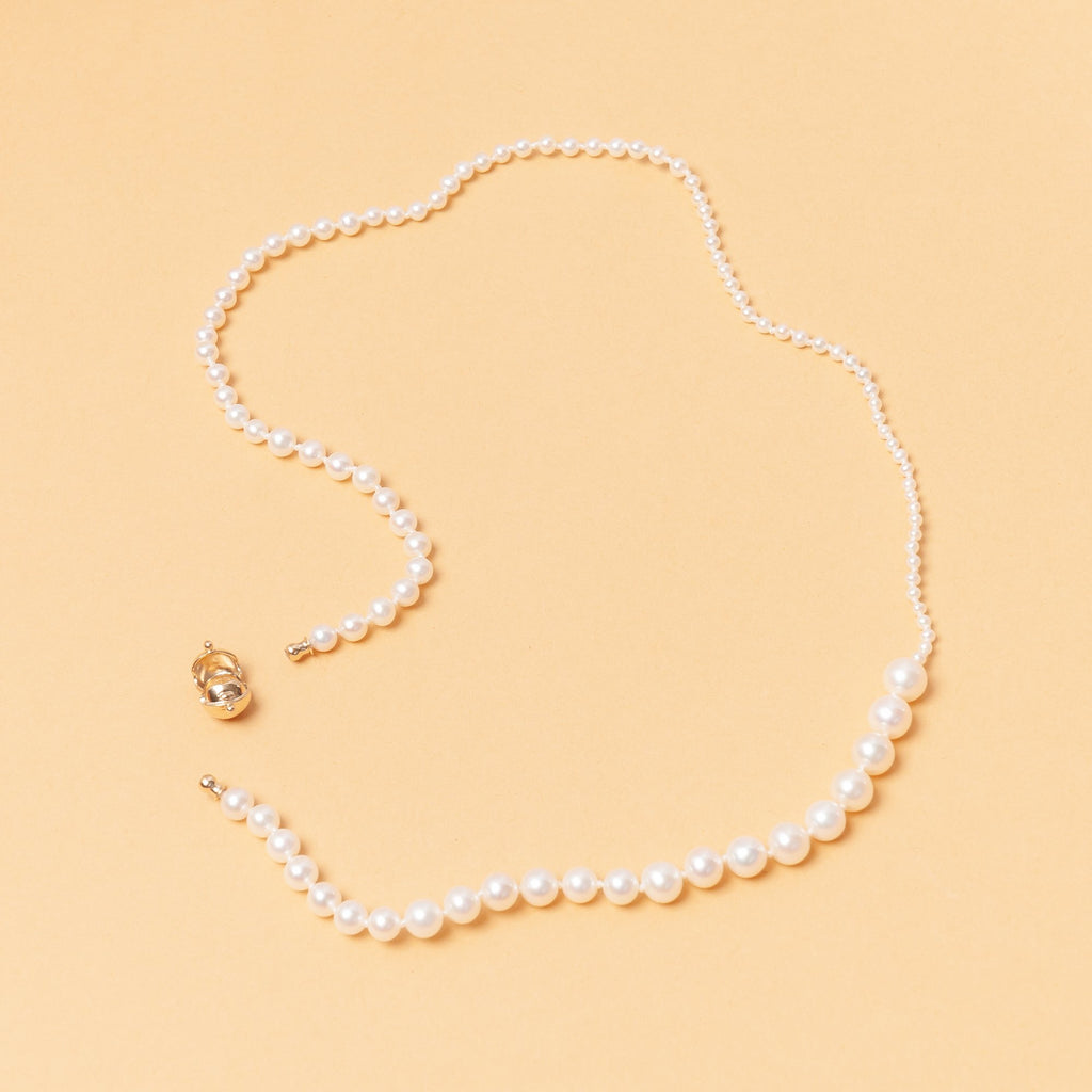 Petite Peggy Necklace of contrasting sized pearls by Sophie Bille Brahe