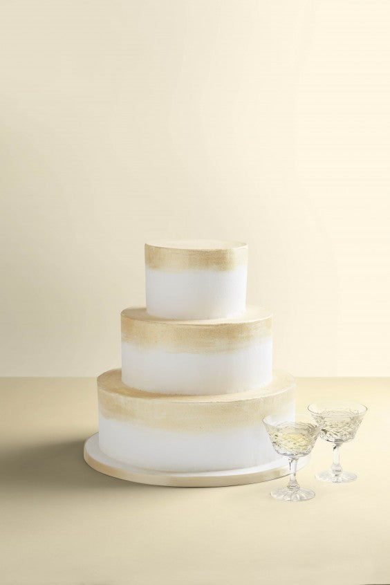 wedding cake champagne and gold