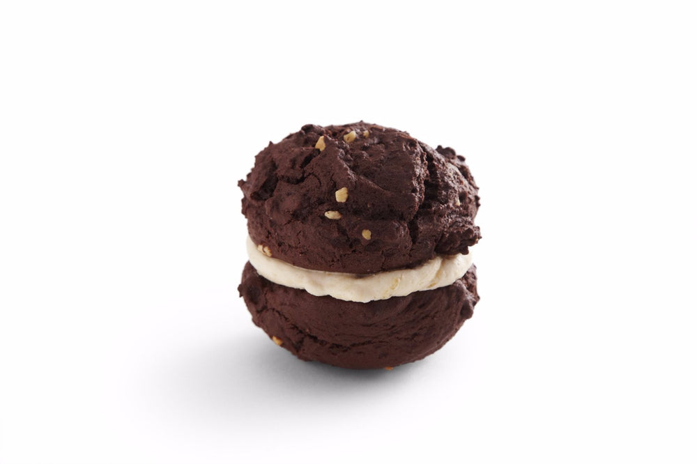 Chocolate & Peanut Butter Whoopie Pie
