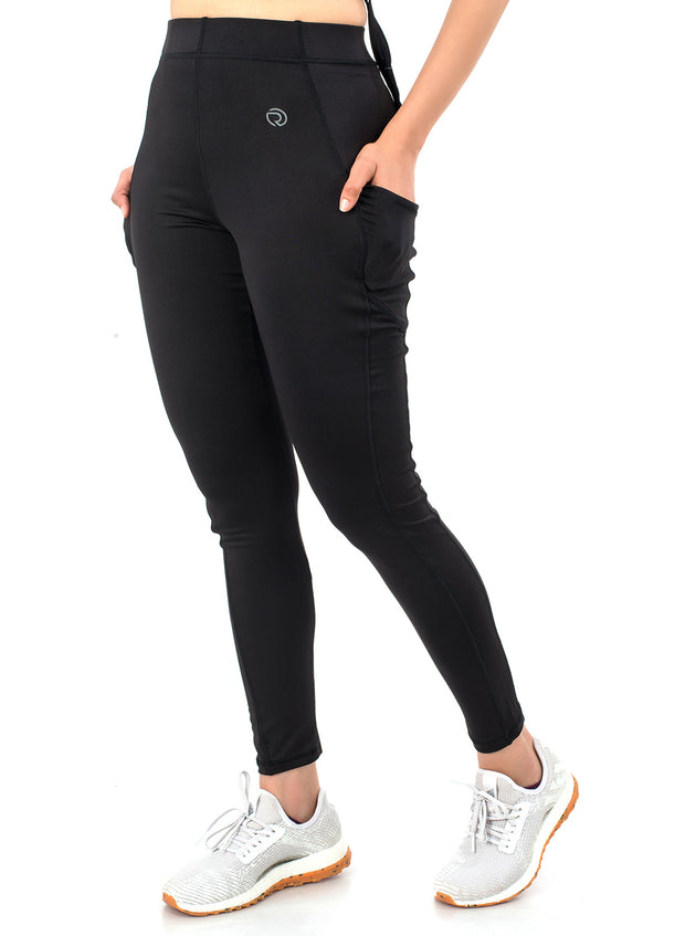 Women's Stretchy Dryfit Legging with 2 Side Pockets - Black