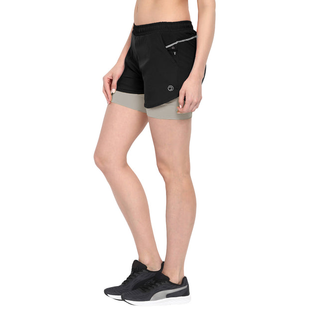 Shorts With Phone Pocket - Women's Black Grey