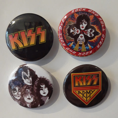 Kiss - Set of 4 Badges