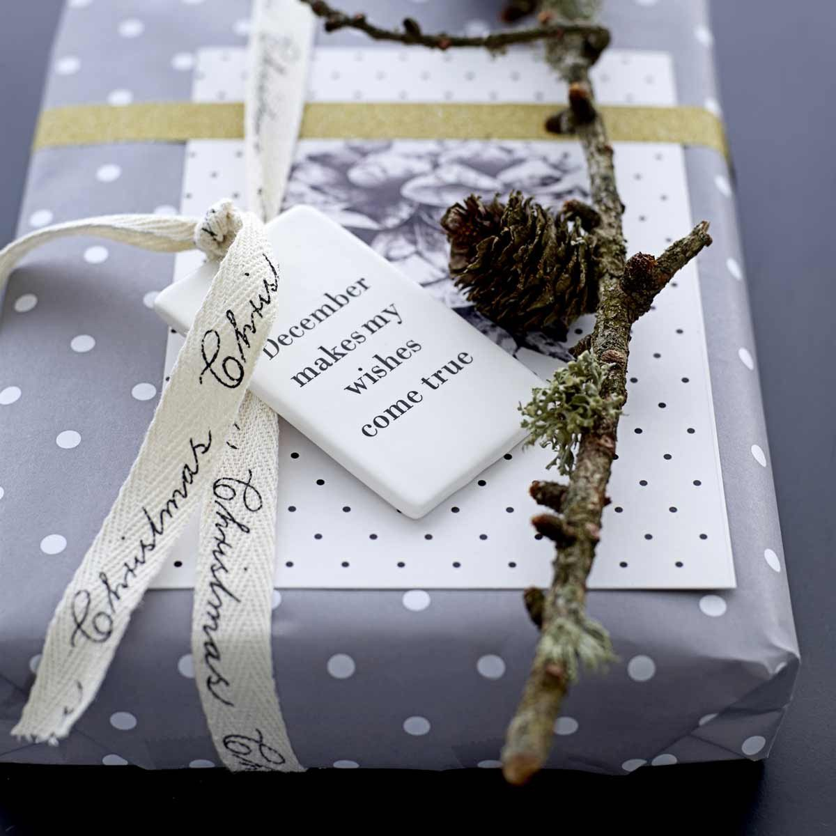 Carta da regalo Bloomingville righe e pois