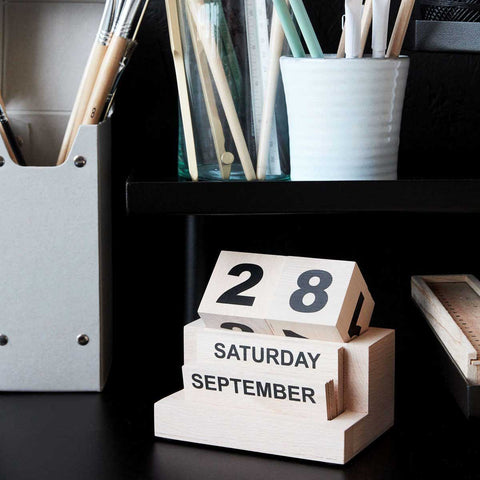 Calendario in legno Eternity