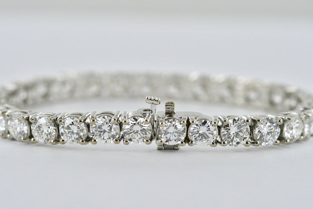 18K White Gold Diamond Tennis Bracelet 21.04 Carats