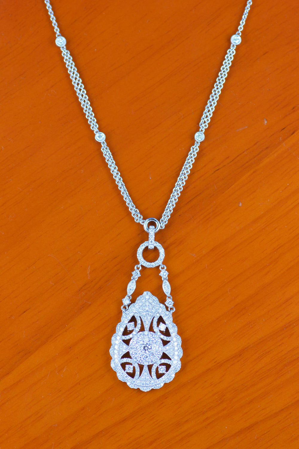 14K White Gold Tear Drop Diamond Pendant With chain