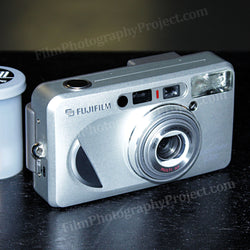 35mm Film Camera - FujiFilm Zoom Date 1300 (Silver Vintage)