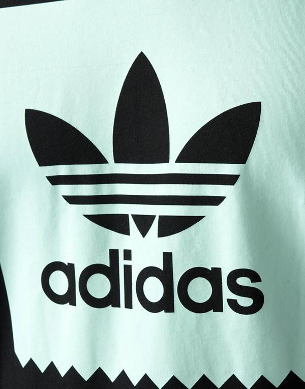 Adidas Blackbird Logo Fill T-Shirt hos Stillo