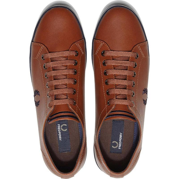 Fred Perry Kingston Leather Sneakers hos Stillo