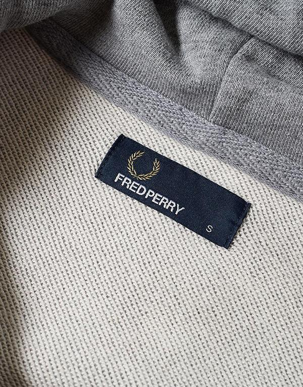Fred Perry Loopback Hooded Sweat hos Stillo
