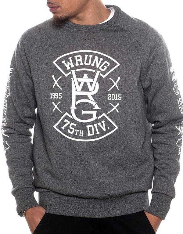 Wrung Die On Top Sweater hos Stillo