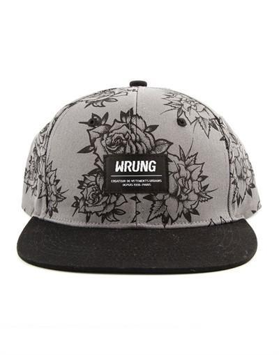 Wrung Ink Roses Cap hos Stillo